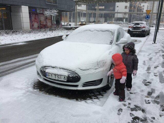خودروهای برقی در زمستان بدون هیچ مسئله ای کار می نمایند!